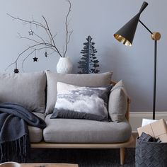 Create the right home interior this Christmas and update your home with a Tom Dixon Beat black floor lamp. With gold accents and the perfect contemporary design, it's the perfect accessory for any stylish home on the festive season.
