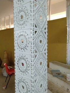 Worli Painting, Wall Painting Decor, Wooden Wall Design, Indian Wall Art, Mural Art, Murals, Ganpati Decoration At Home, Rajasthani Art, Clay Wall Art