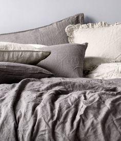 H&M Home ベッドカバー・リネン H&M HOME 3色シンプルリネン枕カバー♪