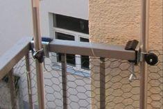 - OHNE STÄBE - OHNE NETZ - NUR HALTER - mit Spannbacken bis 35 mm - Holly ® KATZEN NETZE BEFESTIGUNGS HALTER - für runde STÄBE bis Ø 30 mm - 4 x Halter für Katzenschutznetz - zur Befestigung von - STÖCKEN bis Ø 30 mm - für Balkongeländer Tisch-Stuhl-Schirmhalter Nr. 59SC - STABIELO - MIT GUMMISCHUTZKAPPEN zur kratzfreien BEFESTIGUNG - Holly ® Produkte STABIELO ® - holly-sunshade ® - DIE ALUMINIUM SCHRAUBSTANGEN erhalten Sie unter ASIN B003B8G480 -