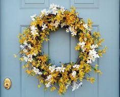 Voorjaar krans / Cherry Blossom and Forsythia Spring Wreath Diy Wreath, Grapevine Wreath, White Cherry Blossom, Porch Decorating, Decorating Ideas, Craft Ideas, Spring Colors, Silk Flowers, Grape Vines