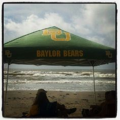 Nothing says summer like a #Baylor tent at the beach! #sicem (via cbowers21 on Twitter)