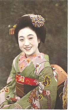 Smiling maiko, via Flickr. 1920's