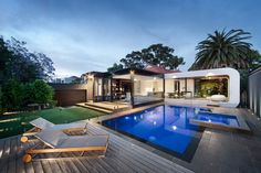 Descubrimiento de piscina 160: Piscina con Jacuzzi en Australia. #pool #pools #piscina #swimmingpool #outdoorpool #piscinaexterior #architecture #deco