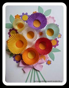 Care creative questa mattina ho fatto fare ai miei bimbi un collage primaverile... hanno ritagliato i gambi dei fiori e le foglie (cerchi tagliati a metà).Dopo aver ritagliato tutto, hanno incollato s