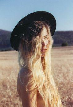 #pretty #waves #summer #saltspray #beachywaves #hair #blonde #ombre #surfer #loosewaves #casual