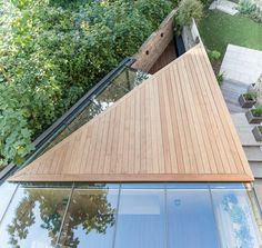 The Triangle – Backyard Study Extension in Hackney | Yellow Cloud Studio Ltd; Photo: Alex Forsey | Archinect
