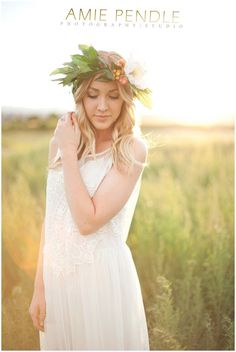 Amie Pendle Photography_0409 Southern Utah Senior Styled shoot, floral halo, floral crown, flower halo, flower crown, field, sunset
