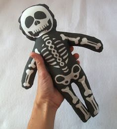 Shelley's Stitches: Skelley Baby cut 'n sew skeleton doll project available on Spoonflower - How to complete in 7 simple steps