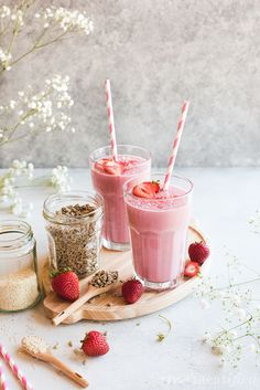 Strawberry Sunflower Seed Cycling Smoothie - meatified