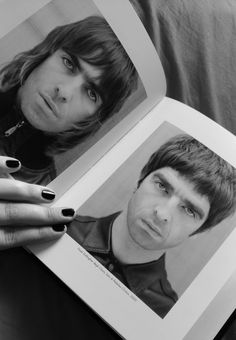 — Oasis - Acquiesce - Remastered 🎶🎶Because we need. Liam Gallagher Noel Gallagher, Oasis Band, Liam And Noel, Britpop, Music Bands, Music Music, The Clash, Wonderwall, Musica