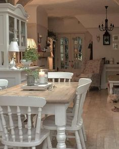 Shabby Chic Dining Room Ideas Images) – Home Magez – Esszimmer Shabby Chic Dining Room, French Country Dining Room, Shabby Chic Wall Decor, Shabby Chic Homes, Shabby Chic Table And Chairs, Comedor Shabby Chic, Cozinha Shabby Chic, Muebles Shabby Chic, Dining Room Design