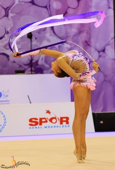 Margarita Mamun, Russia, was the 1st both in the qualifications and finals with ribbon in World Championships Izmir 2014