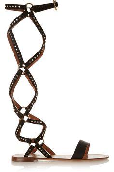 Gladiadoras urbanas. Así se llevan las sandalias multitiras © Valentino