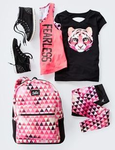 Girls' Outfits -tween Outfits For Girls Justice - Tap the pin if you love super heroes too! Cause guess what? you will LOVE these super hero fitness shirts! Tween Fashion, Moda Fashion, Fashion Outfits, Fashion 2015, Girl Fashion, Fashion Clothes, College Fashion, Fashion Fall, Style Fashion