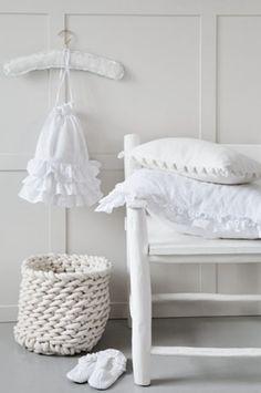 ZsaZsa Bellagio – Like No Other: Interior White