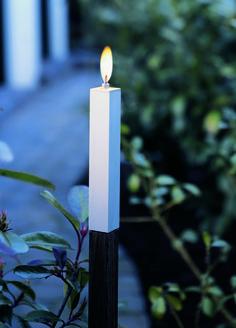 Świecznik Modus, który oświetli zarówno wnętrze, jak i ogród.