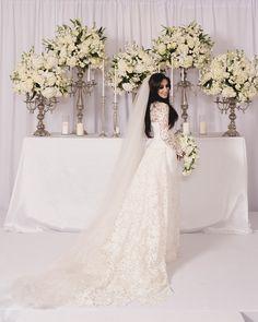 Noiva   Bride   Vestido   Dress   Vestido de noiva   Wedding dress   Bride's dress   Inesquecivel Casamento   Renda   Rendado   Vestido rendado   White dress   Vestido de mangas longas   Vestido rendado   Vestido com transparência   Vestido moderno