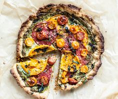 Heirloom Tomato Pie With Almond Flour Crust + Creamy Cashew Herb Filling - Dishing Up the Dirt