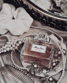 Image about luxury in Cosmetics/Perfume/Skincare by blondechanel Rose Gold Aesthetic, Classy Aesthetic, Aesthetic Makeup, Image Deco, Pink Perfume, Cosmetics & Perfume, Miss Dior, Black And White Pictures, Photo Wall Collage