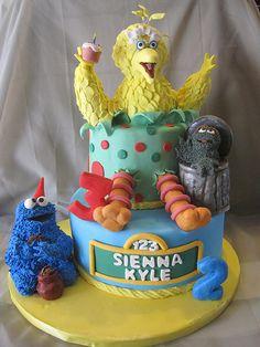 Big Bird , Oscar, Cookie Monster cake