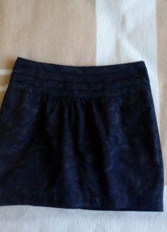Kup mój przedmiot na #vintedpl http://www.vinted.pl/damska-odziez/spodnice/12253257-ciemno-brazowa-krotka-spodniczka-reserved
