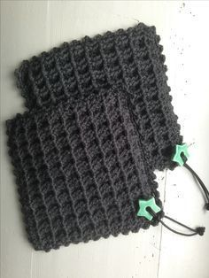 Corner to corner - grydelapper - 2 farvet Crochet Kitchen, Crochet Home, Crochet Gifts, Diy Crochet, Knitting Patterns, Crochet Patterns, Corner To Corner Crochet, Crochet Potholders, Crochet Projects