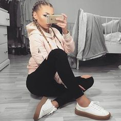 . .  #todayoutfit#styleoftheday#everydaystyle#casuallook#casualstyle#details#essentials#glam#lux#luxury#girloftheday#instaluxury#cooloutfit#sporty#sportystyle#sneakers#sportylook#picoftheday by fashioninspos