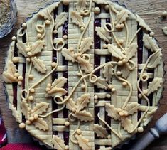 Pie art via FoodPorn on March 04 2019 at Pie Dessert, Dessert Recipes, Beautiful Pie Crusts, Pie Crust Designs, Pie Decoration, Pies Art, Pie Tops, Sweet Pie, Cupcakes