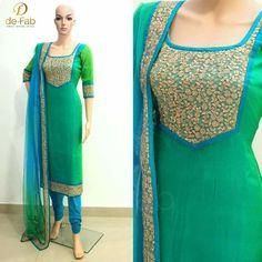 Churidar Neck Designs, Kurta Neck Design, Salwar Designs, Kurta Designs Women, Kurti Designs Party Wear, Dress Neck Designs, Blouse Designs, Indian Attire, Indian Outfits
