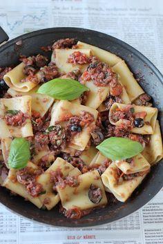 cooking casualties: Pasta Puttanesca (aka Slutty Spaghetti)