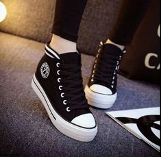Trendy Shoes, Cute Shoes, Me Too Shoes, Casual Shoes, Casual Chic, Sneakers Mode, High Top Sneakers, Shoes Sneakers, Sneakers Style