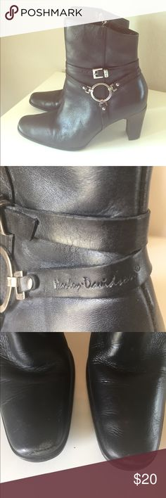 Harley-Davidson boots Inside zip Harley-Davidson short boots. A little worn on the toe (but what motorcycle boots aren't!) genuine leather Harley-Davidson Shoes Combat & Moto Boots