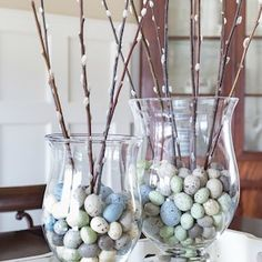 Make this easy spring pussy willow centerpiece with faux eggs in just a few minutes! Perfect for early spring and Easter celebrations. Easter party Easy Spring Pussy Willow Centerpiece Idea - On Sutton Place Decoration Plante, Decoration Table, Spring Decorations, Easter Tree Decorations, Easter Table, Easter Party, Easter Dinner, Hoppy Easter, Easter Bunny