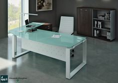 Bureau en verre trempé et acier blanc delta les bureaux alinea