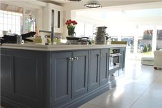 Browse thousands of interior and exterior images from Farrow & Ball. Be inspired with stunning home decor images and design ideas for your home. Kitchen Island Decor, White Kitchen Island, White Kitchen Cabinets, Painting Kitchen Cabinets, Cooks Blue Farrow And Ball, Farrow And Ball Kitchen, Kitchen Cupboard Colours, Kitchen Colors, Cabinet Colors
