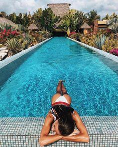 Amyklinn s u m m e r v i b e s fotos playa, fotos piscinas, fotos en bikini. Tumblr Summer Pictures, Couple Beach Pictures, Vacation Pictures, Summer Photos, Beach Sunset Photography, Pool Photography, Fashion Photography, Photography Aesthetic, Photography Ideas