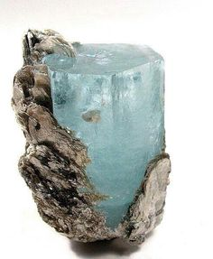 aquamarine the crystal for courage