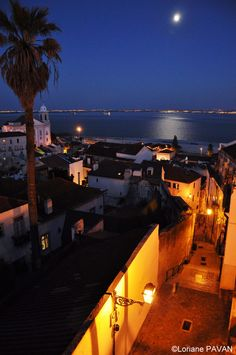 alfama by night by Loriane Pavan on 500px