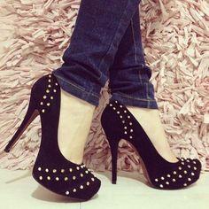 tachas shoes heels black