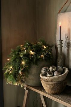 Christmas Trends - Colors, Designs and Ideas - Interior . Christmas Trends - Colors, Designs and Ideas - InteriorZine , Christmas Decorating Trends 2019 / 2020 – Colors, Designs and Ideas - Interior. Christmas Trends, Noel Christmas, Primitive Christmas, Christmas Inspiration, Rustic Christmas, Winter Christmas, Vintage Christmas, Christmas Wreaths, Christmas Colors