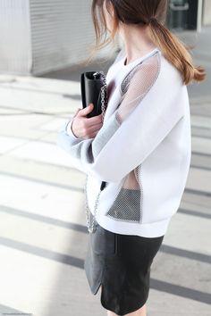 Mesh Sweater © VIENNA WEDEKIND Gramaturas, texturas e transparências.