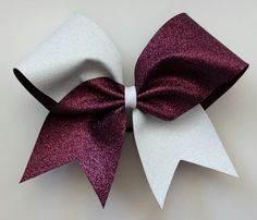 Two color glitter bow. Maroon and white glitter cheer bow - BRAGABIT Cheer Bows Glitter Force, Glitter Make Up, White Glitter, Glitter Bomb, Glitter Gif, Glitter Paint, Glitter Fabric, Glitter Shoes, Cute Cheer Bows