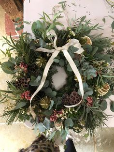 Christmas // How to Make a Wreath - Roses and Rolltops Christmas Mantels, Christmas Table Decorations, Holiday Decor, Eucalyptus Wreath, Xmas Wreaths, Diy Wreath, How To Make Wreaths, Christmas Inspiration, Vintage Christmas