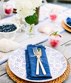 Proof that a red, white and blue table can be more chic than cliche!