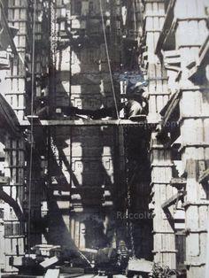 Piazza di Porta Capena – Installazione della stele di Axum Anno: 28 ottobre 1937 Utility Pole, Rome