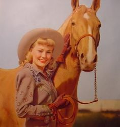 Google Image Result for http://www.pinkofperfection.com/wp-content/uploads/2011/06/vintage-cowgirl.jpg