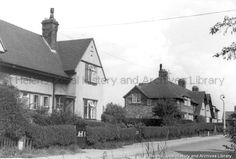 MSE/2/3/45 Black and white photograph showing Sandy Lane, St.Helens. c.1960 MSE - The Frank Sheen Collection 2 - Photographs showing various buildings, events and housing in St.Helens. 3 - Photographs showing various streets and housing in St.Helens