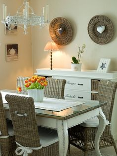 Love the wicker chairs ,white table with top color of whicker Wayfair Living Room Chairs, Living Room Decor, Bedroom Decor, Dining Table Redo, Furniture Decor, Painted Furniture, Upcycled Home Decor, Living Styles, Cottage Interiors