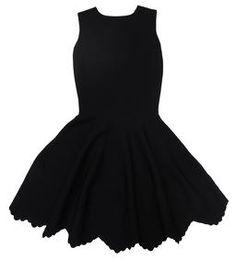 Платье Alexander McQueen - происхождение бренда: Франция - производство: Китай - материал: 67% район, 23% полиэстер, 10% лайкра - цвет: черный - длина по спине для размера 42 - 95см